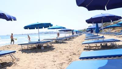 Werden sich die Strände diesen Sommer wieder füllen? Im Bild ein Strand in Ayia Napa in Zypern. (Lydia Lippuner)