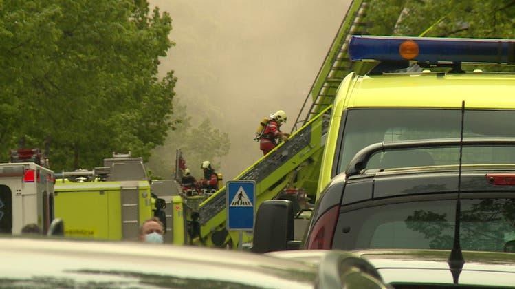 Brand bei der Klinik Hirslanden: Rettungskräfte mit Grossaufgebot im Einsatz