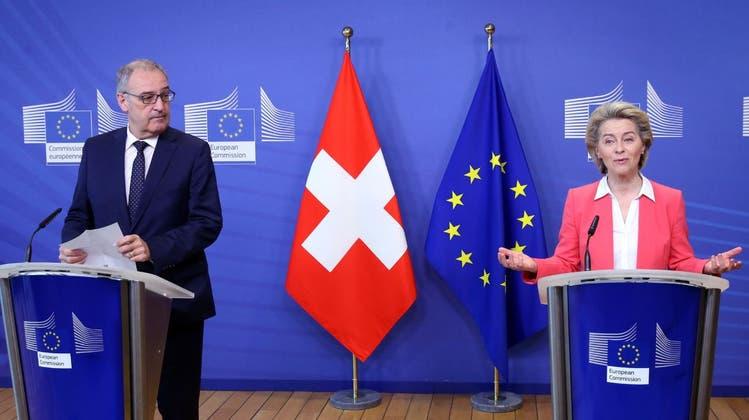 Keinen Schritt weiter: Bundespräsident Guy Parmelin und EU-Kommissionspräsidentin Ursula von der Leyen in Brüssel. (EPA (Brüssel, 23. April 2021))