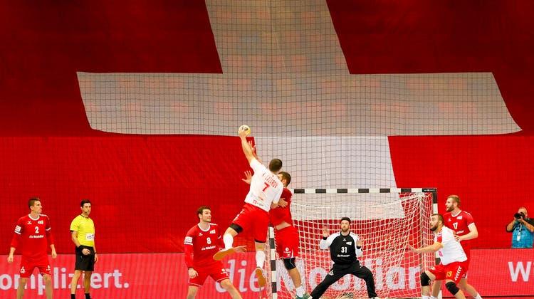 Die Handball-Europameisterschaft könnte künftig auf Schweizer Boden stattfinden. Der SHV hat sich für die Turniere 2026 und 2028 beworben. (Freshfocus)