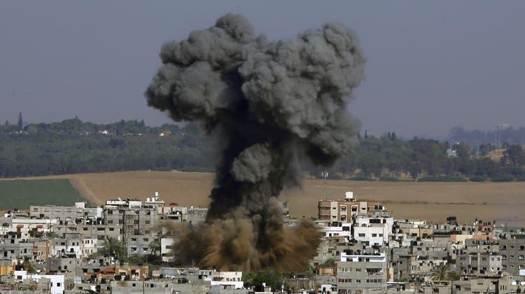 Die Hamas feuerte mehrere hundert Raketen aus dem Gazastreifen Richtung Israel. (EPA)