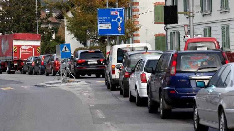 Ein Nadelöhr, wo sich der Pendlerverkehr täglich staut: die Klus in Balsthal. (Hanspeter Bärtschi)