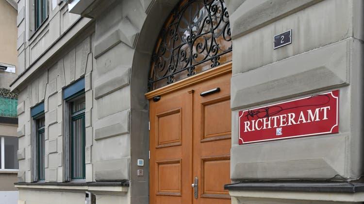 Zwei mutmassliche Räuber standen am Dienstag vor dem Amtsgericht Olten-Gösgen. (Bruno Kissling)