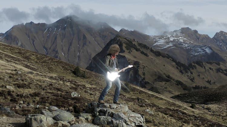 So kernig und wild wie die Alpen präsentiert sich auch Gassers neuestes Werk «Wildgärscht & Wätterhorn». (Bild: PD)