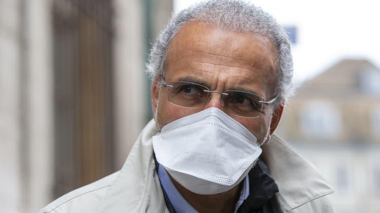 Der Genfer Islamwissenschafter Tariq Ramadan steht wegen mehrerer Klagen vor Gericht. (Keystone)