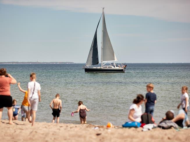 Wie hoch stehen die Chancen auf Sommerferien am Strand? Das wird sich in den nächsten Wochen weisen.