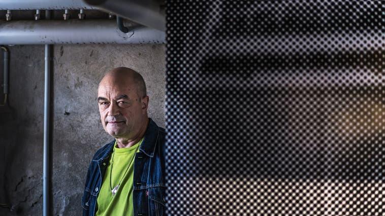 Der St.Galler Soundtüftler und Künstler Norbert Möslang tritt an der Finissage in der Kunsthalle Arbon auf. (Bild: Michel Canonica)