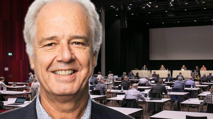Die Sitzung des EinwohnerratsBrugg findet seitder abgebildeten Premierevom 19. Juni 2020 coronabedingtim Campussaal Brugg-Windisch statt. (Bild: Britta Gut)