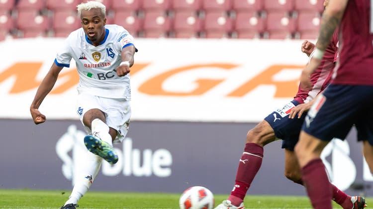 Pedro Brazão schiesst platziert zum 4:1-Endstand aus Lausanner Sicht ein. (Freshfocus)