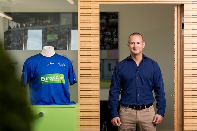 Hannes Hurter, Geschäftsführer Aargauischer Fussballverband, freut sich, dass 18'000 Fussballer und -fussballerinnen eine Perspektive bekommen.