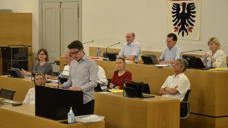 Matthias Zinniker (FDP) bei seinem Nein-Votum zum Zukunftsraum 2020. (Daniel Vizentini / Aargauer Zeitung)