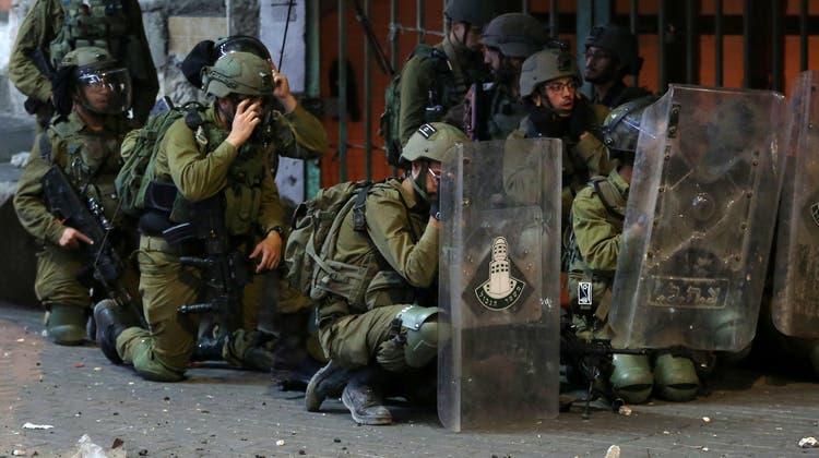 Aus Gaza werden Raketen nach Israel abgefeuert. (KEY)