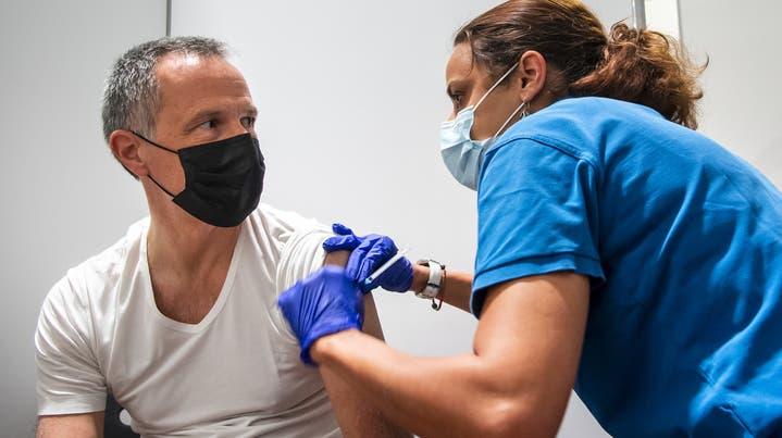 «Danke für die perfekte Organisation»: Dankesmailsan ein Berner Impfzentrum. (Bild: dow)