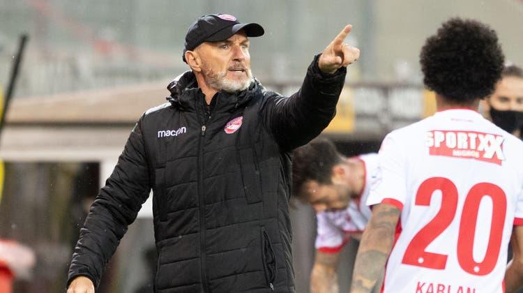Ein Trainer mit Emotionen: Carlos Bernegger möchte mit dem FC Thun aufsteigen. (Freshfocus)