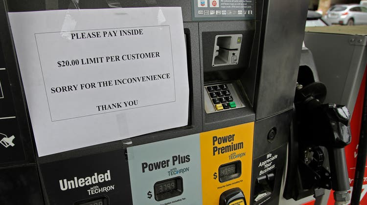 Nach der Cybersecurity-Attacke von letzter Woche wurde in den USA Benzin mancherorts rationiert. (Bild: Keystone / 11.05.2021)