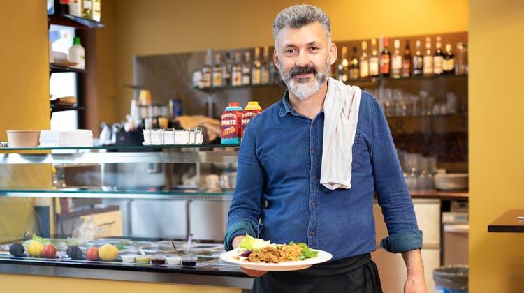 Turac Aslan hat in Wohlen Anfang Mai das «Vegano» eröffnet. Dort verkauft er türkisches Fast Food, aber alles vegan. (Britta Gut (11. Mai 2021))