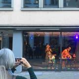 Mit Champagner, Bootsfahrten und Gesang: Das Theater im Kornhaus feiert Geburtstag – und macht die Stadt zur Bühne
