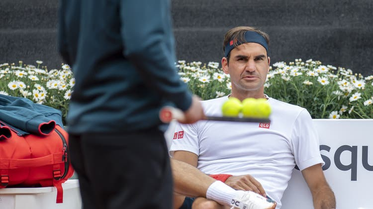 Am Freitag trainierte Roger Federer erstmals in Genf. (Martial Trezzini / KEYSTONE)