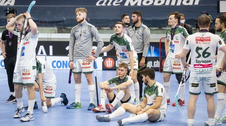 Der SV Wiler-Ersigen nach der knappen 2:3-Superfinal-Niederlage gegen Köniz. (Ennio Leanza / KEYSTONE)