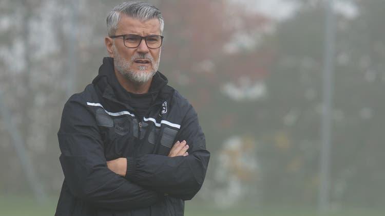 Steht eine weitere Saison beim FC Urdorf an der Seitenlinie: Trainer Dragan Filipovic. (Ruedi Burkart)