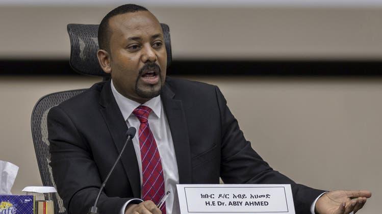 Der äthiopische Premierminister Abiy Ahmed (hier bei einer Pressekonferenz in der HauptstadtAddis Abeba) galt als progressiver Politiker, der Land und Region Frieden und Demokratie bringen sollte. (Bild: Minasse Wondimu Hailu/Keystone)