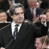 Riccardo Muti macht im schönsten Theater der Welt grosses Theater. Das Bild stammt vom 11. Mai, als er in Mailand die Wiener Philharmoniker dirigierte. (Sil Handout / EPA)