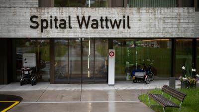 Noch ist unklar, was mit dem Spital Wattwil passiert. (Gian Ehrenzeller/Keystone)