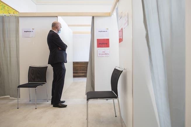 Optimistisch: Bundesrat Alain Berset beim Arbeitsbesuch in Schaffhausen.