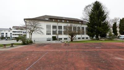 Seit 1940 steht die Turnhalle Oberhofen in Münchwilen. Der Bau ist längst geschützt. ((Bild: Donato Caspari))