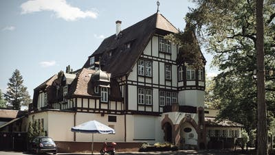 Das Restaurant Waldhaus ist derzeit geschlossen. Bald aber soll wieder Leben in die Räumlichkeiten zurückkehren. (Roland Schmid)
