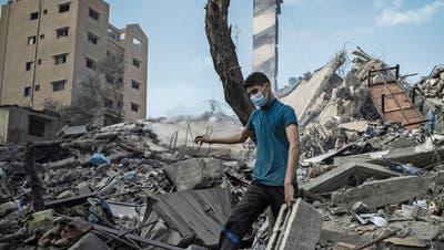 In Gaza sind seit vergangener Woche mehr als 200 Menschen ums Leben gekommen. Ganze Stadtquartiere sind zerstört. (EPA)