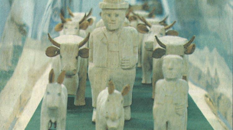 Die geschnitzten «Chüeli» des Hembergers Ernst Reich waren nur eine der vielen Neckertaler Attraktionen am Kulturfest in Konstanz. (Bild: PD)