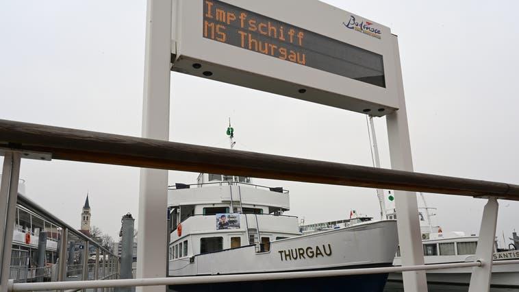 Das Impfschiff ist nur noch bis diesen Samstag in Betrieb. Danach fungiert die MS Thurgau wieder als normales Kursschiff. (Bild: Helio Hickl)