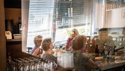 Essen im Restaurant ist in Liechtenstein ab nächsten Montag unter Auflagen wieder möglich. (Andrea Stalder)