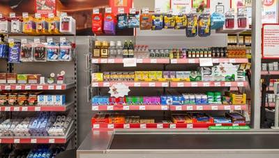 An vielen Supermarktkassen locken Bonbons, Schokoladenriegel und Kaugummi. (Bild: Sandra Ardizzone)