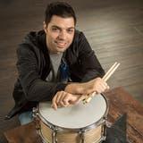 Der aus Islikon stammende Schlagzeuger und Musikproduzent Massimo Buonanno. (Bild: Reto Martin)