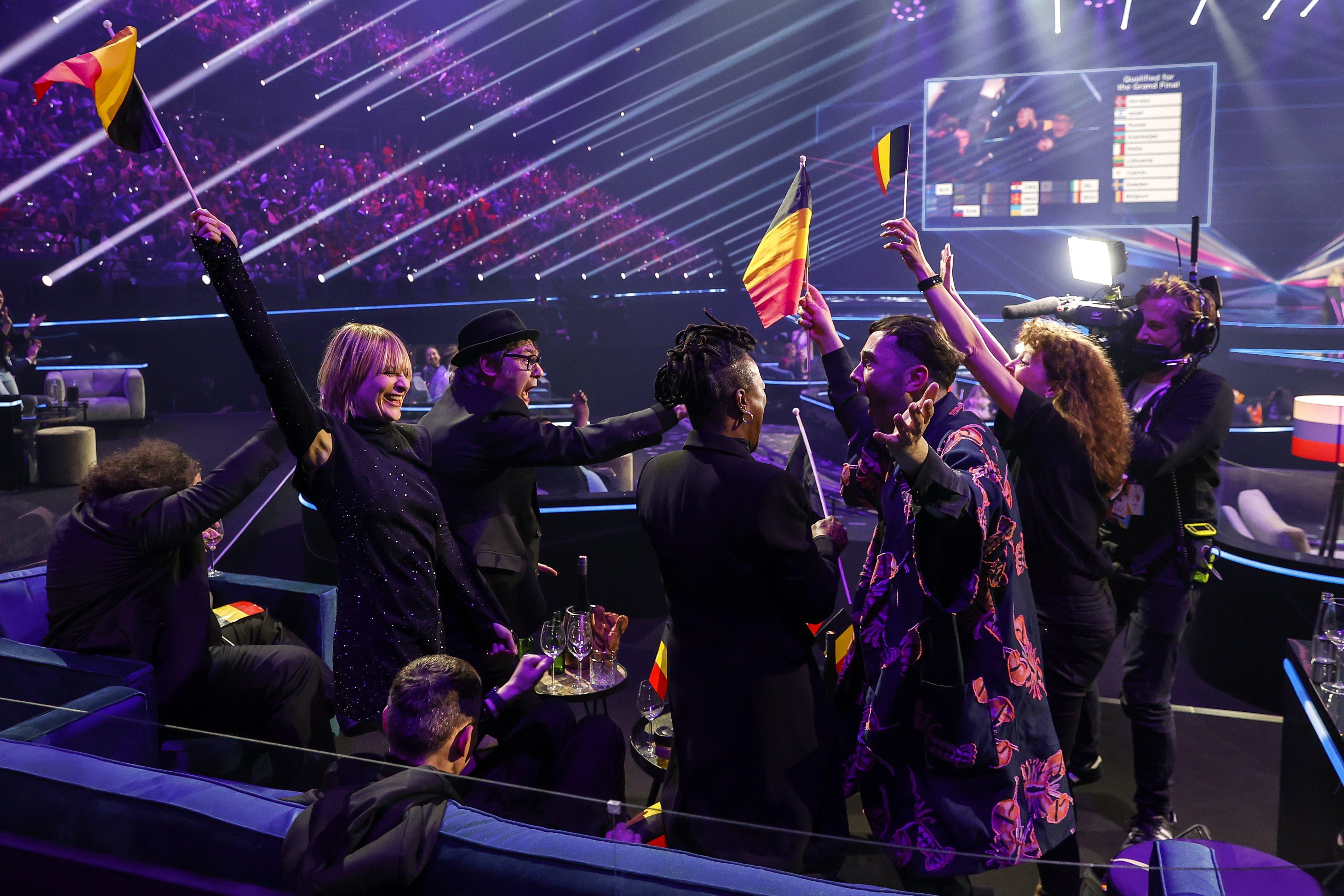 Hooverphonic aus Belgien freuen sich ebenfalls über ihre Qualifikation für das Finale.