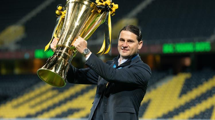 Dreimal durfte Gerardo Seoane mit YB die Trophäe des Schweizer Meisters in die Höhe stemmen. Nun wechselt er zu Bayer Leverkusen. (freshfocus)