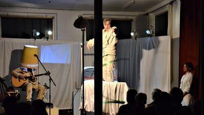 Das Sirnacher Theater Jetzt konnte vergangenes Jahr sein Stück «Trainingslager» in der ehemaligen Stickerei Scherrer aufführen. ((Bild: Christoph Heer))