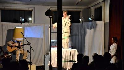 Das Sirnacher Theater konnte vergangenes Jahr sein Stück «Trainingslager» in der ehemaligen Stickerei Scherrer aufführen. (Bild: Christoph Heer)