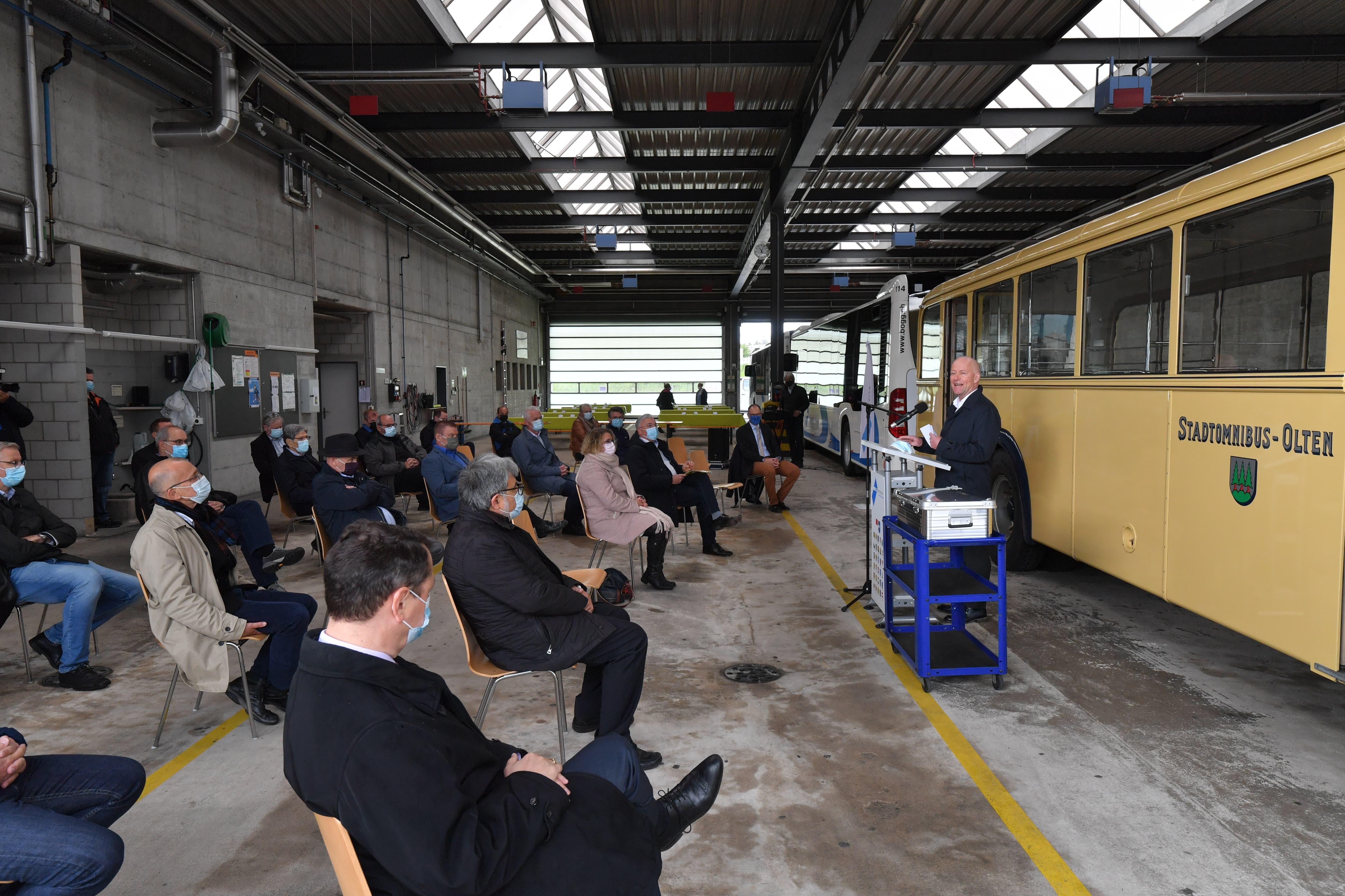 Der Oltner Stadtpräsident Martin Wey spricht bei der Grundsteinlegung zur Depoterweiterung der BOGG in Wangen bei Olten.