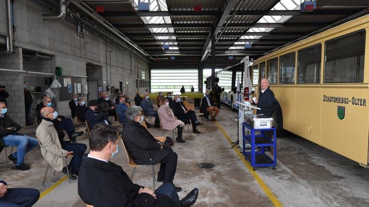 Der Oltner Stadtpräsident Martin Wey spricht bei der Grundsteinlegung zur Depoterweiterung derBOGGin Wangen bei Olten. (Bruno Kissling)