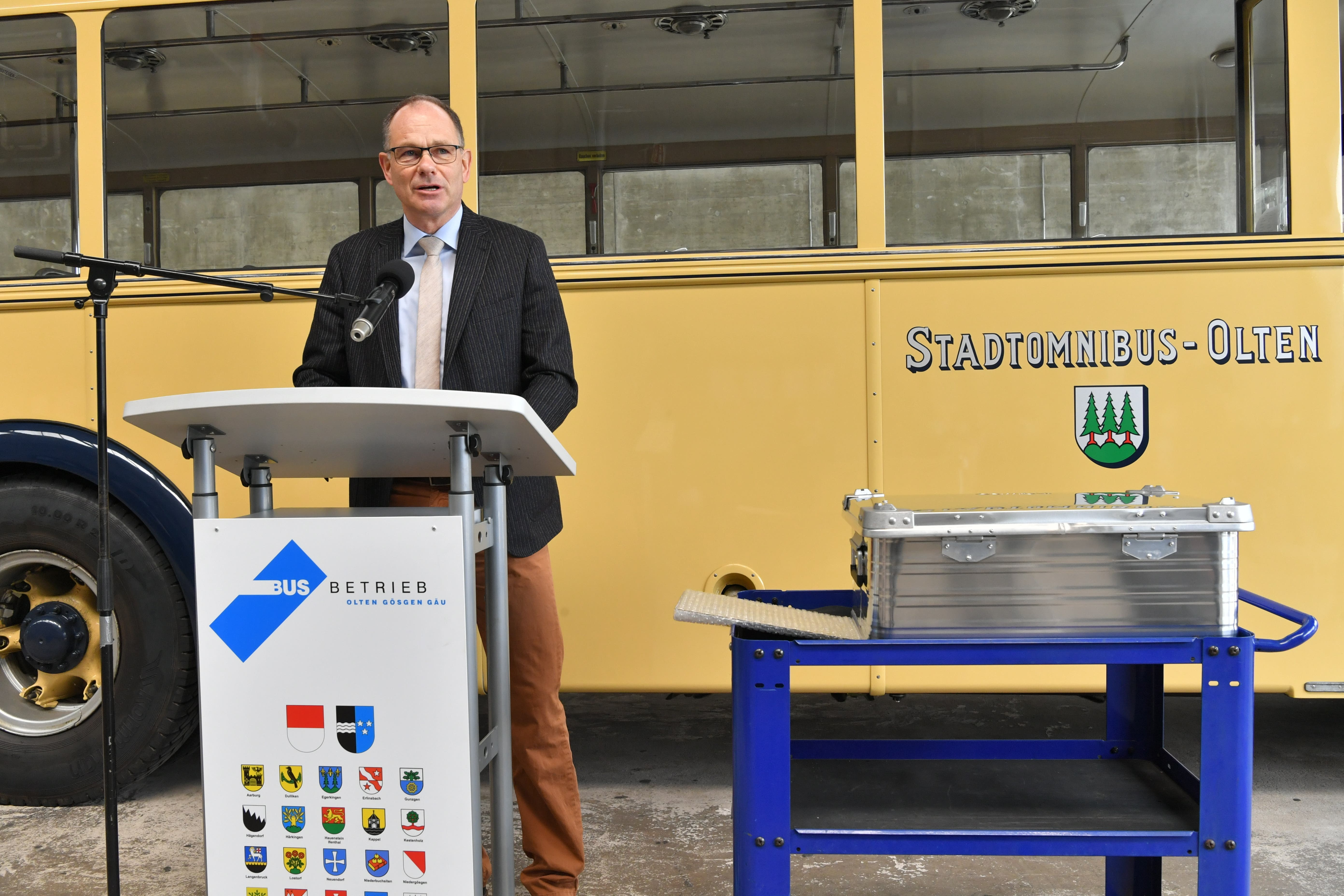Peter Schafer, Verwaltungsrats-Präsident der BOGG spricht bei der Grundsteinlegung zur Depoterweiterung der BOGG in Wangen bei Olten.