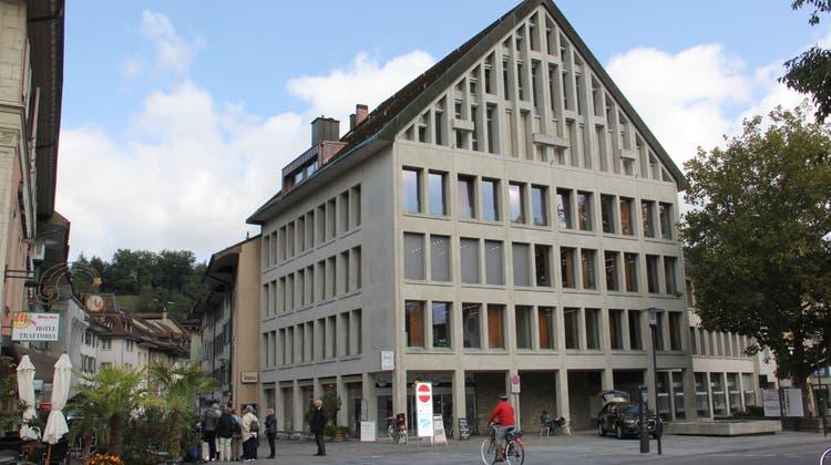 In den ersten drei Obergeschossen an der Schulthess-Allee 1 in Brugg befinden sich die Räume der Sozialen Dienstleistungen Region Brugg. (Claudia Meier (20. September 2017))