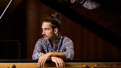 Brachte den«Duende», diesen trance-ähnlichen Zustand des Flamenco,von seiner aktuellen CD ins Orchesterhaus: Pianist Teo Gheorghiu. (Patrice Schreyer)