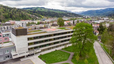 Die Zukunft des Spitals Wattwil ist heute ungewiss. (Bild: Arthur Gamsa)