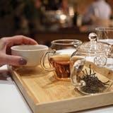 Edler Tropfen: Der Felsentee, serviert im Grand Hotel Quellenhof in Bad Ragaz, überzeugt durch sein fruchtiges Aroma. (Bild: foodfreaks.ch)