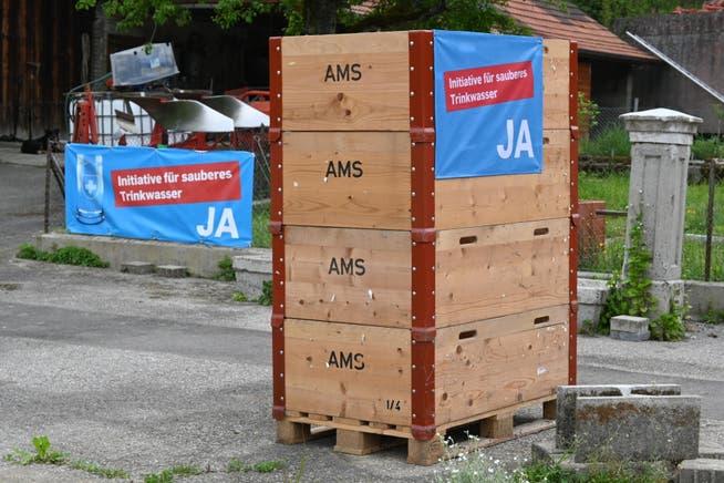 Plakate, die für ein Ja zur Trinkwasser-Initiative werben, werden säuberlich abmontiert und entfernt. Wie hier in Gontenschwil am vergangenen Wochenende.