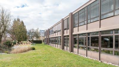 Für die Sanierung der beiden Schulanlagen Brüelmatt 1 und 2 rechnet die Schulpflege mit Kosten von 14,5 Millionen Franken. (Bild: Sandra Ardizzone (14. Februar 2018))