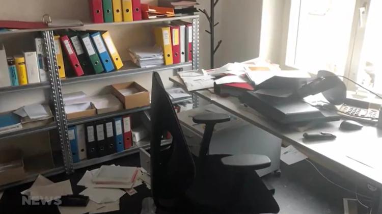 Das Büro war verwüstet. (TeleM1)